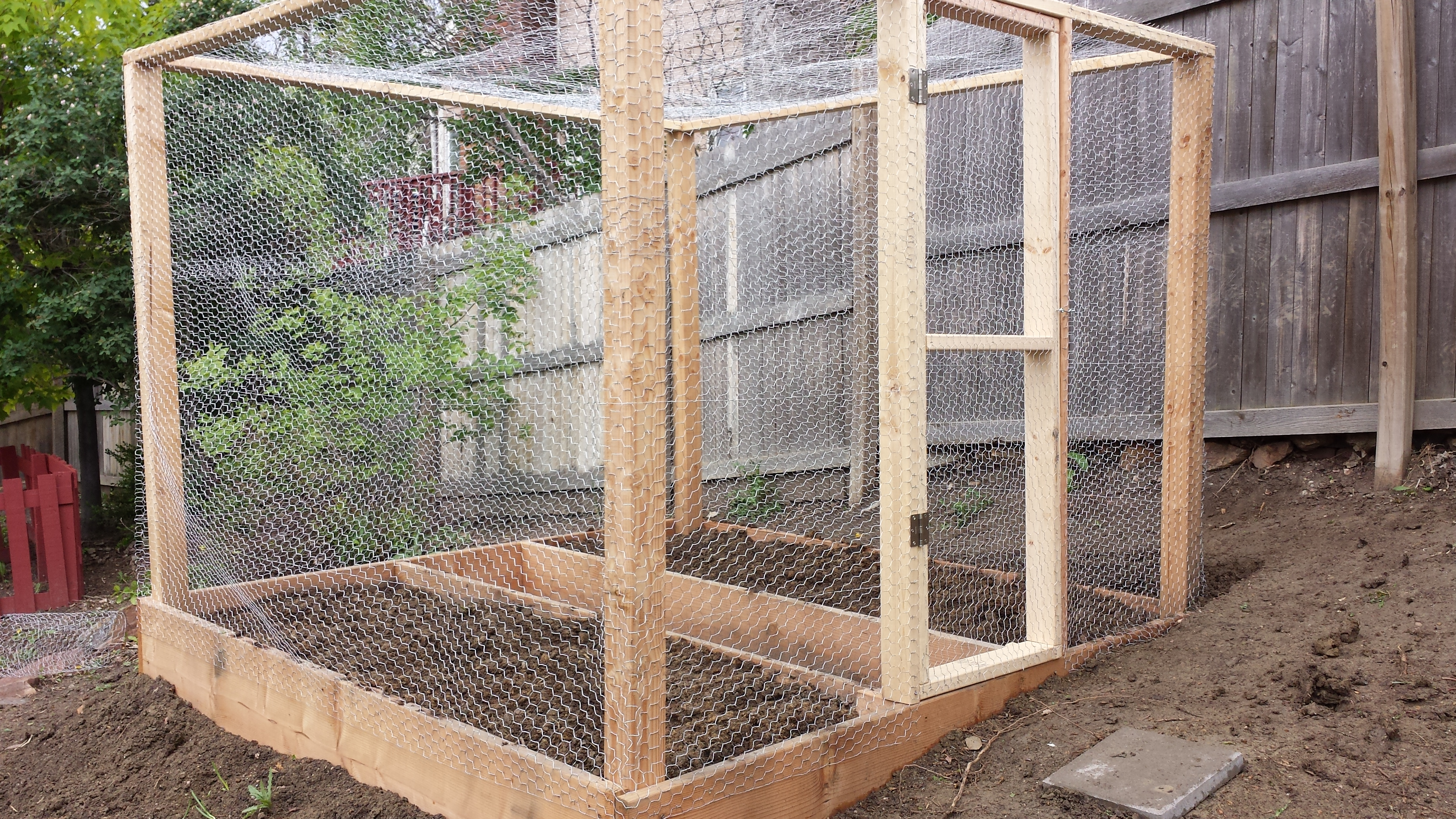 Perfect Garden Box Covered In Chicken Wire
